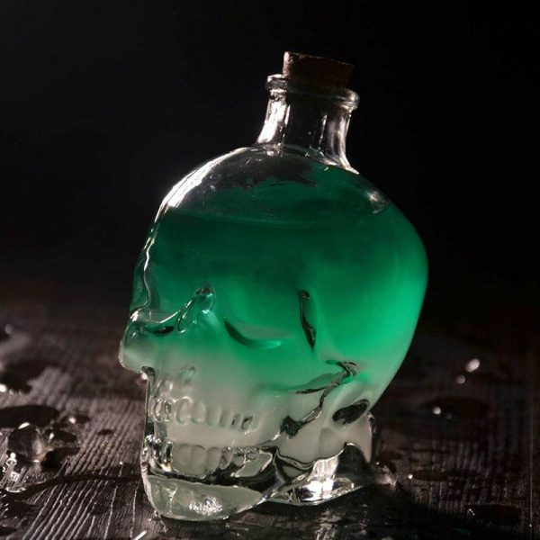 glass head of dead carafe at whiskey 750ml accessory head of death