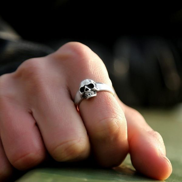 ring head of dead engagement skull money 72 to sell