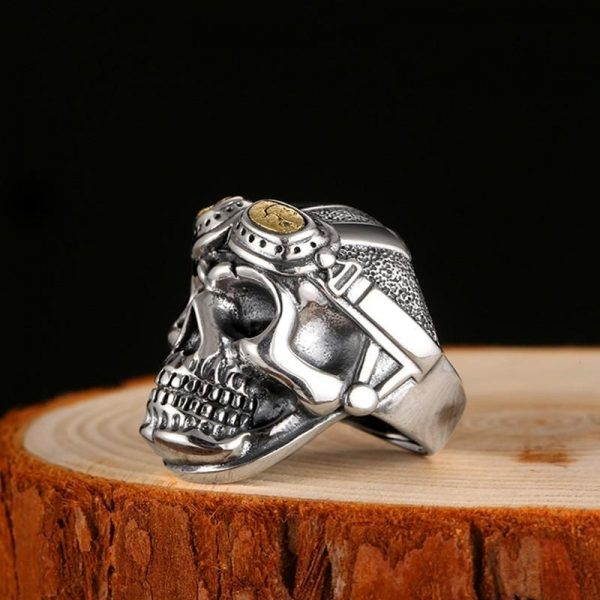 ring head of dead military aviator silver