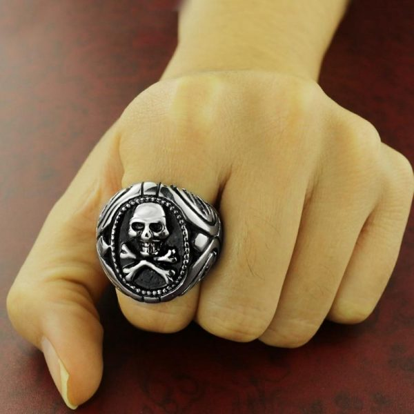 ring head of dead signet ring pirate steel 70 price